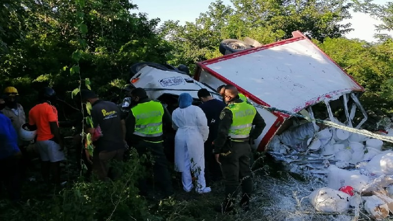 camión volcado en Tubará